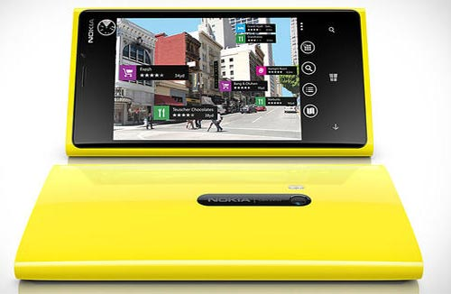 Nokia-Lumia-925-Catwalk